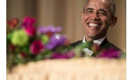 Obama hace re�r a la galer�a washingtoniana por �ltima vez