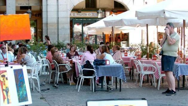 Los expertos contratados por madrid para poner freno a los for Piso turistico madrid